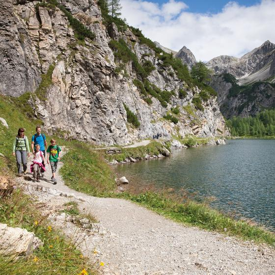 family hike tappenkarsee wagrain